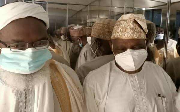 Obasanjo ya bi sahun Gumi, ya roki gwamnatin Buhari ta yafewa tubabbun 'yan bindiga