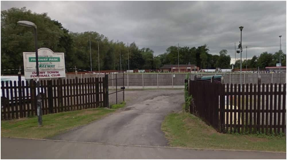 Oadby Town vs Leicester Nirvana: Match abandoned in 78th minute after dog ran on the pitch