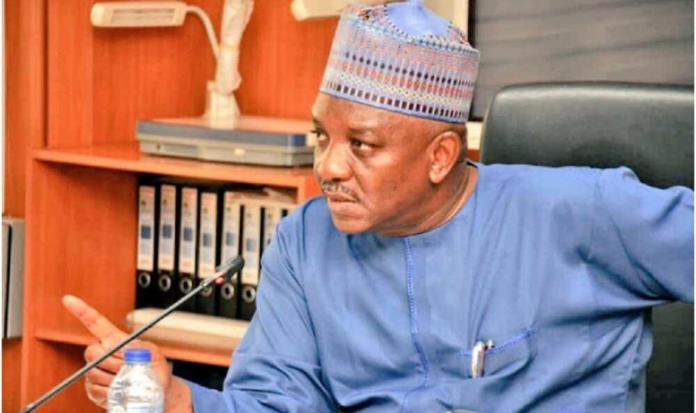 Ban suma ba, ba a kwantar da ni a asibiti ba: Ministan da Buhari ya kora ya faɗi abinda yasa bai koma gida ba