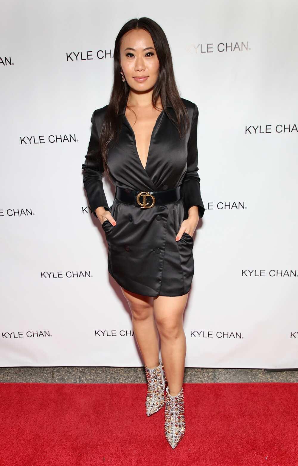 Kelly Mi Li's age