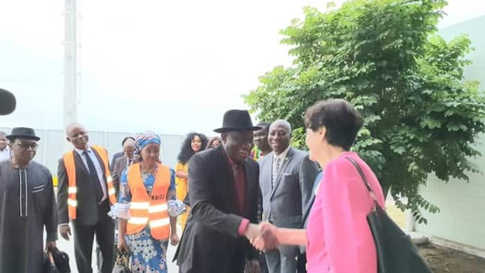Jonathan arrives Sao Tome and Principe for peace conference (photo)