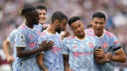 Moment Ronaldo and Fernandes pushed Man United star to celebrate stunning goal against former team