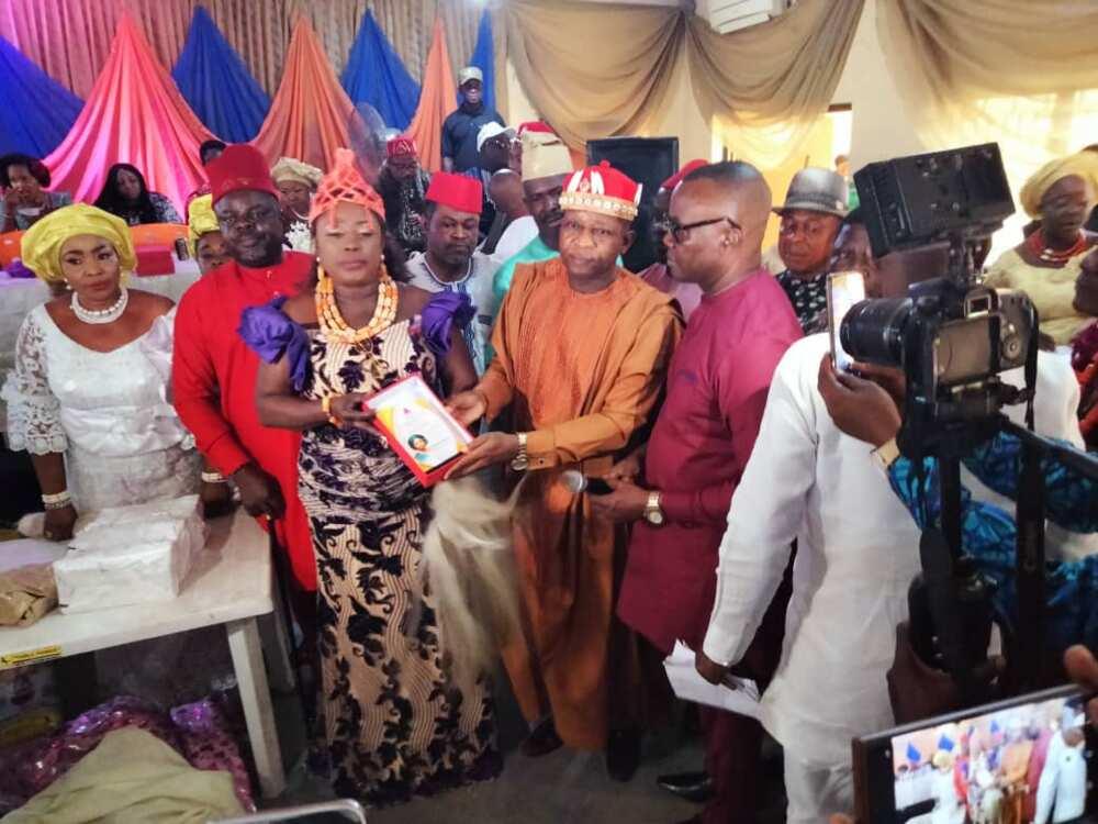 Sanwo-Olu's Wife, Ibijoke, urges Nigerians to help others.