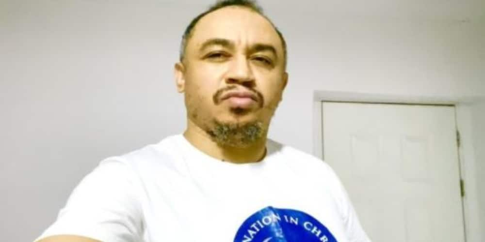 Daddy Freeze gives savage reply to fan who doesn't like his reasoning
