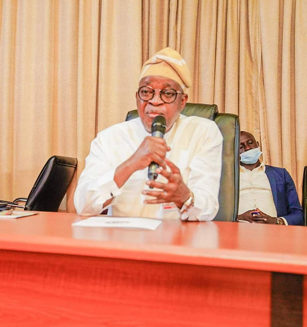 EndSARS: Governor Oyetola gives hoodlums 3 days to return loot