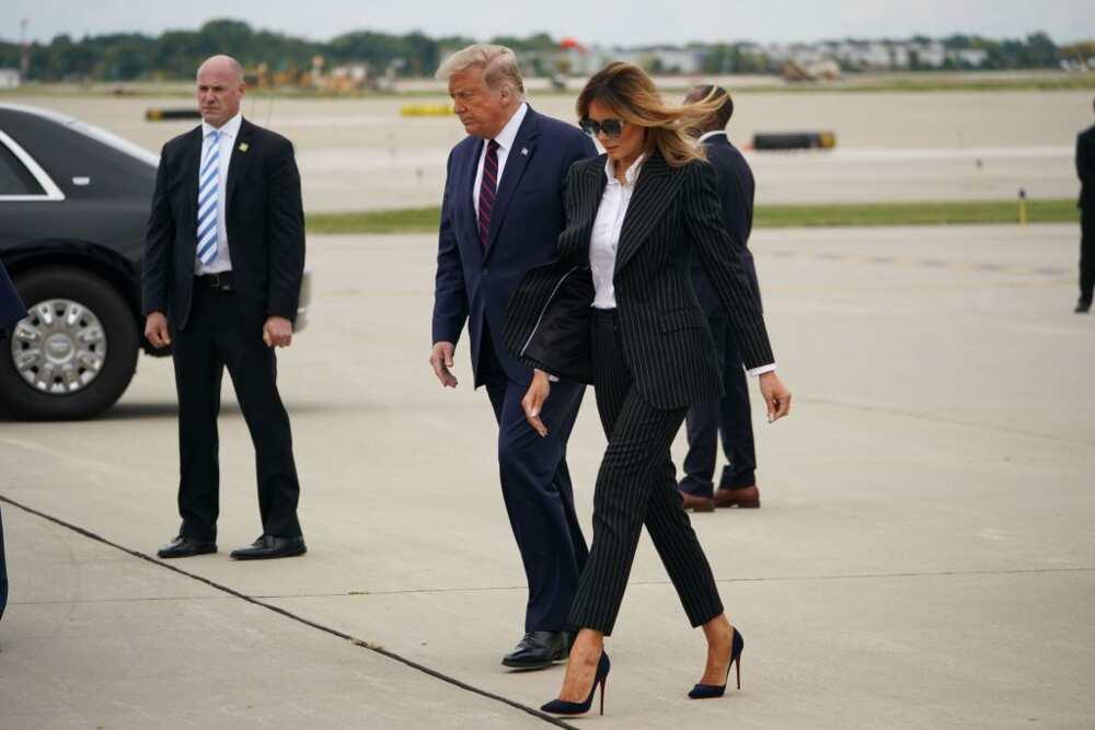 Donald Trump et la Première Dame Melania Trump à Cleveland, Ohio, pour le premier des trois débats présidentiels. (Photo de MANDEL NGAN / AFP) (Photo de MANDEL NGAN / AFP via Getty Images)