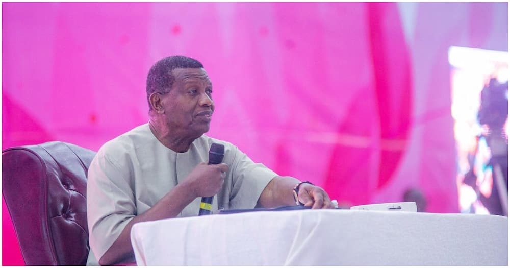 Pastor Adeboye offers powerful prayer for new service chiefs