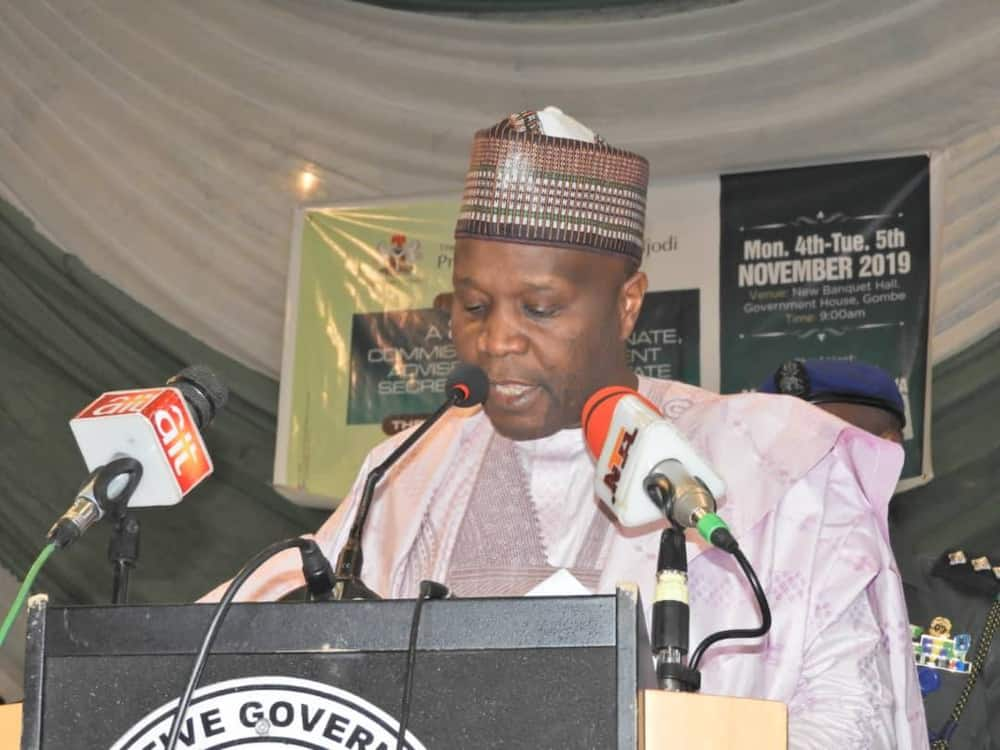 Gombe governor suspends salaries of doctors, heath care personnel