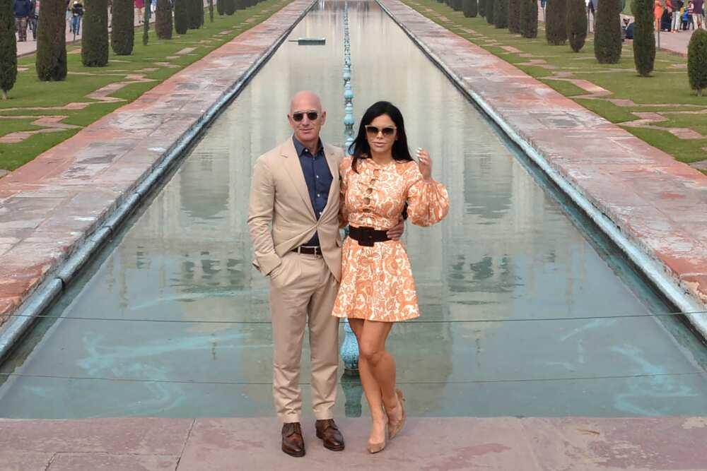 Jeff Bezos girlfriend