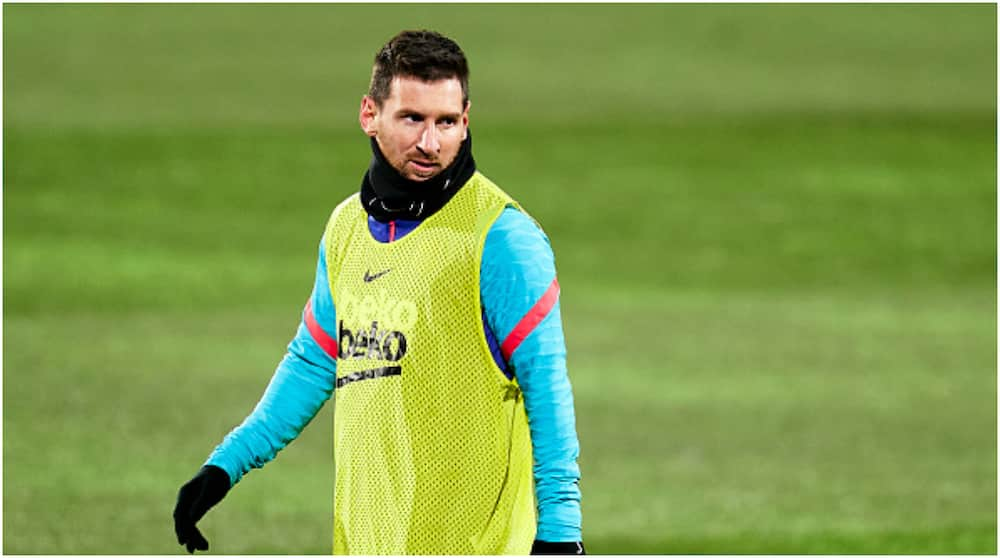 Lionel Messi: PSG present Argentine with odd contract to beat Man City to transfer