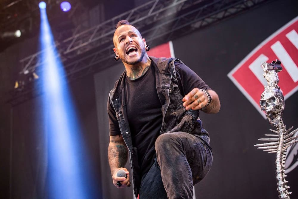 Who is Tommy Vext
