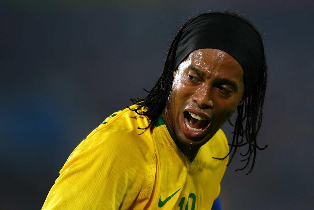 Is Ronaldinho still playing football?