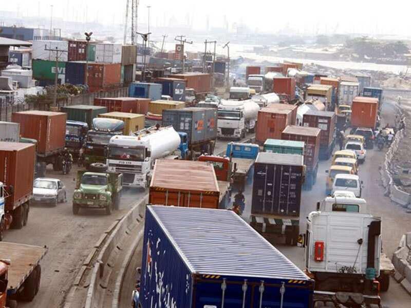 Apapa gridlock: Truck drivers defy Buhari's directive