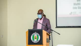 BREAKING: Nigerian state govt bars unvaccinated civil servants from work