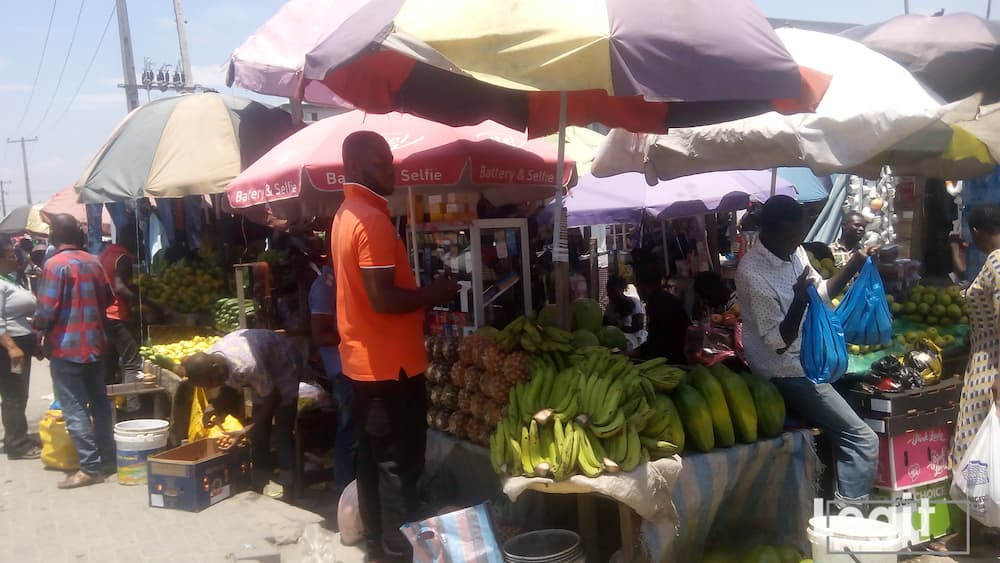 When the fruits are in season, they are fresh and neatly displayed for sale in markets across the state. Photo credit: Esther Odili