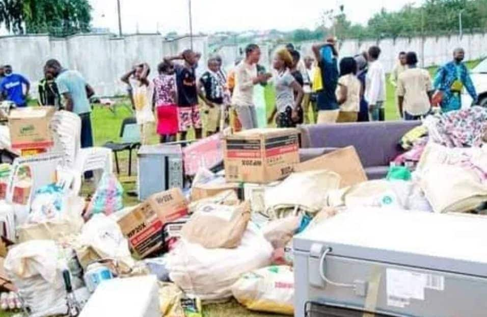 ENDSARS: Security agents arrest suspected looters, recover stolen items in Osun