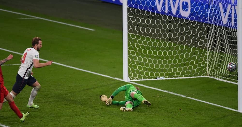 England vs Denmark: Fans Angered After Kasper Schmeichel Had Laser Shone at Him Before Kane's Penalty
