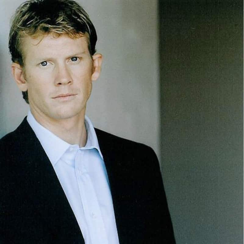 Eric Christian Olsen brother
