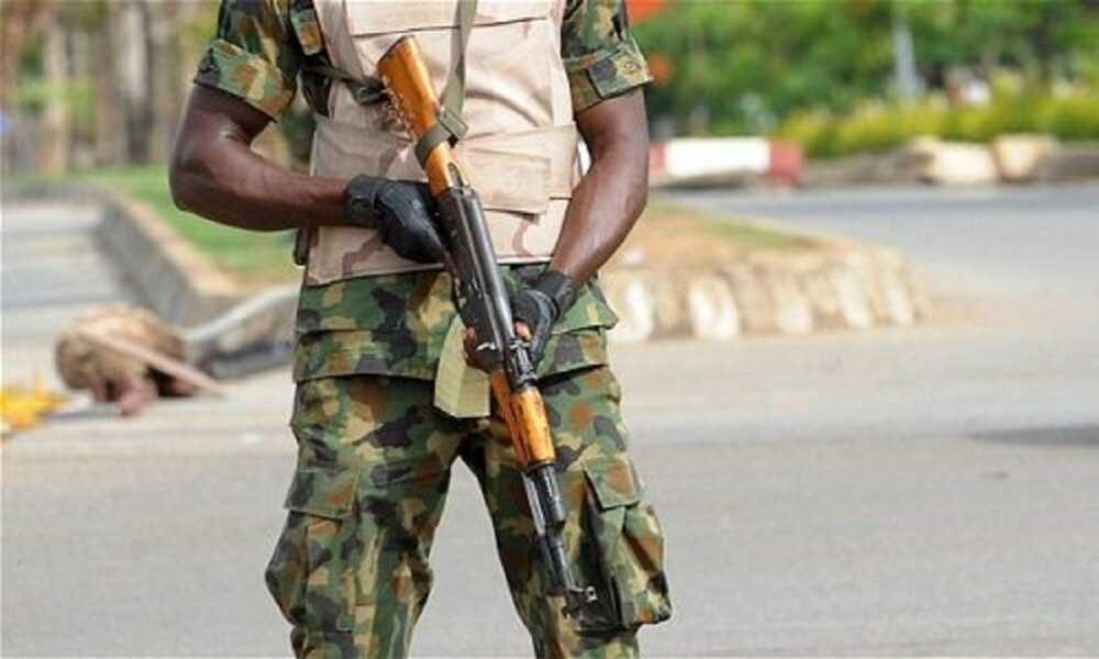Soja ya buɗe wa ƙananan yara wuta a kusa da fadar shehun Borno, ya kashe ɗaya
