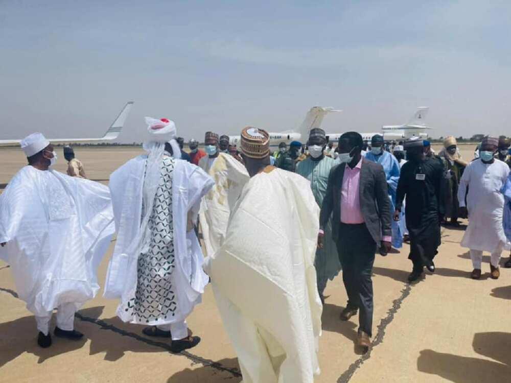 Hotunan gwamnoni, ministoci da jiga-jigan da suka je fadar Kano nemawa Yusuf Buhari aure