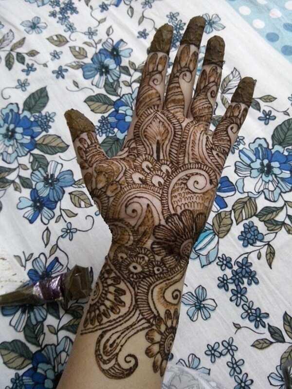 Assorted henna pattern