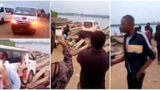 NYSC members cross sea into Taraba state with bus on a boat in stunning video, many people express fear