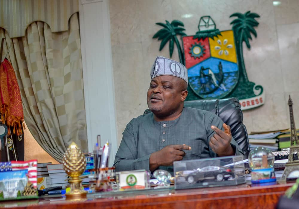 Lagos lawmakers drum for state police after destruction of properties, visit Oba's palace