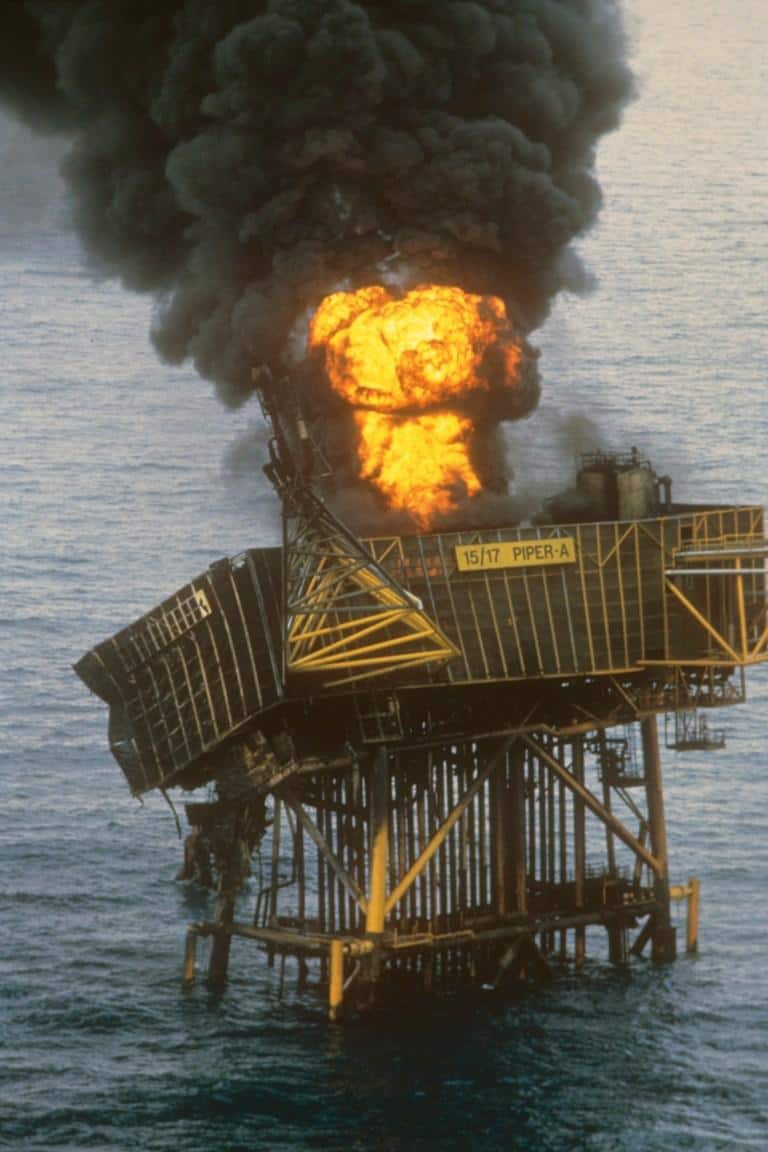 Survivor of Piper Alpha oil rig explosion pays tribute to 167 colleagues who died, explains what happened 32 years ago