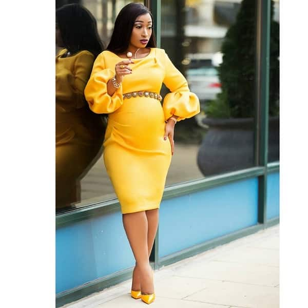 Maternity yellow gown