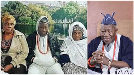 Check out adorable photo of Olubadan of Ibadan rocking winter jacket with his 2 wives in Canada