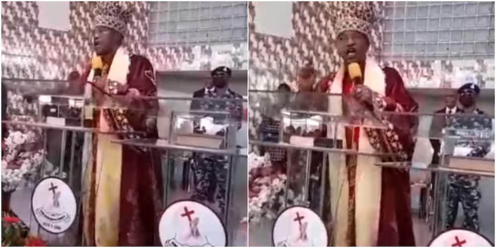 Massive Reactions as Oluwo of Iwo Sings with Melodious Voice in Church, Says Powerful Prayer for Congregation