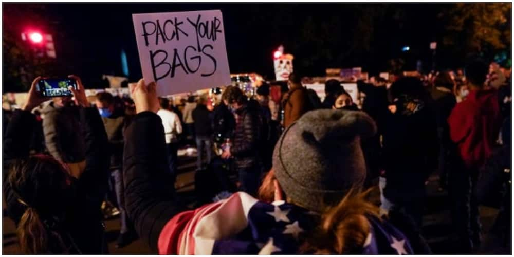 Protectors near the White House on the evening of Tuesday, November 3. Photo: Getty Images