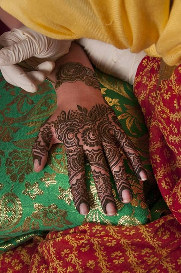Henna tattoo glove