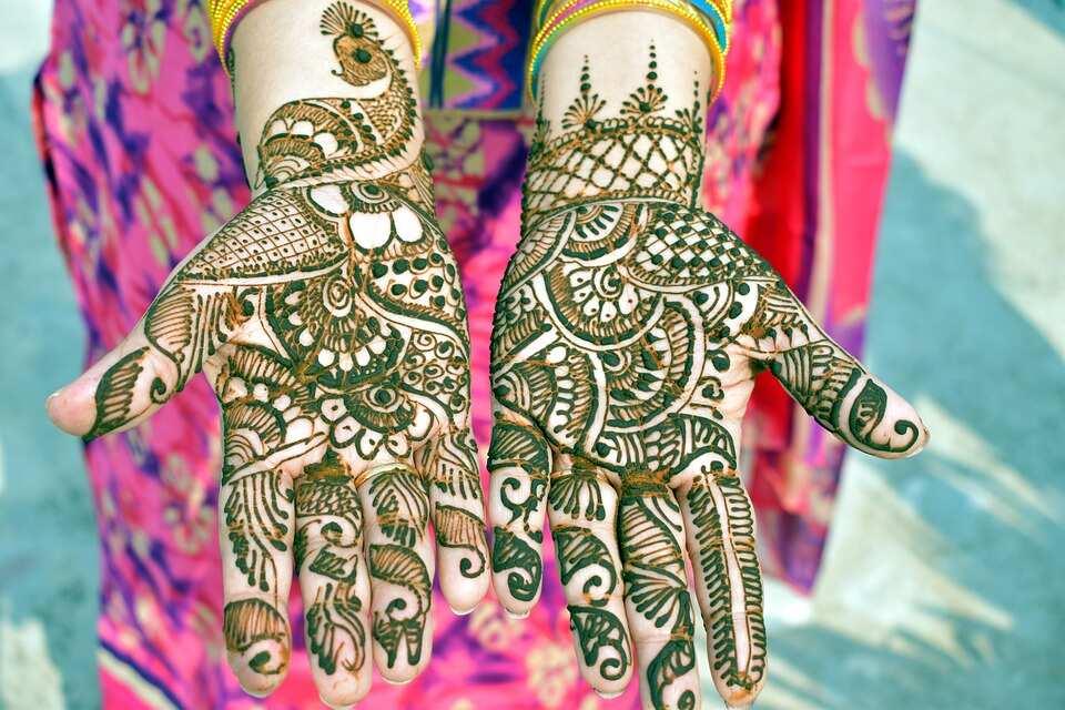 Green henna art