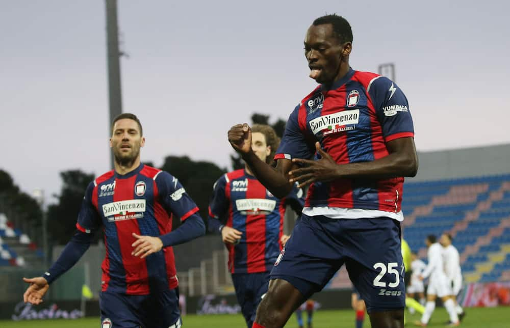 Jubilation as Nigerian striker scores brace to inspire top European League to emphatic victory