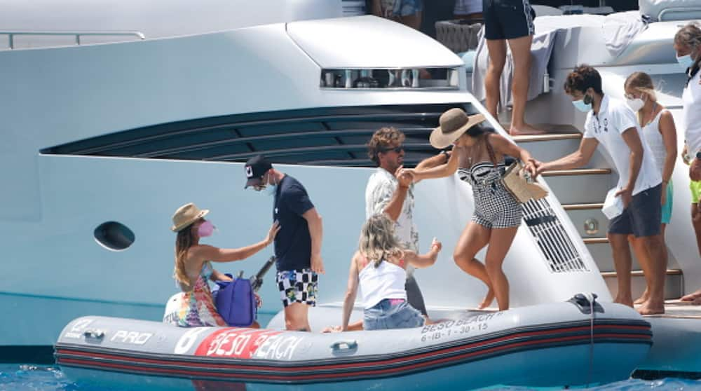 Lionel Messi Looks Ripped While Relaxing on Boat in Ibiza With Footy Star Pals Former Barcelona Stars
