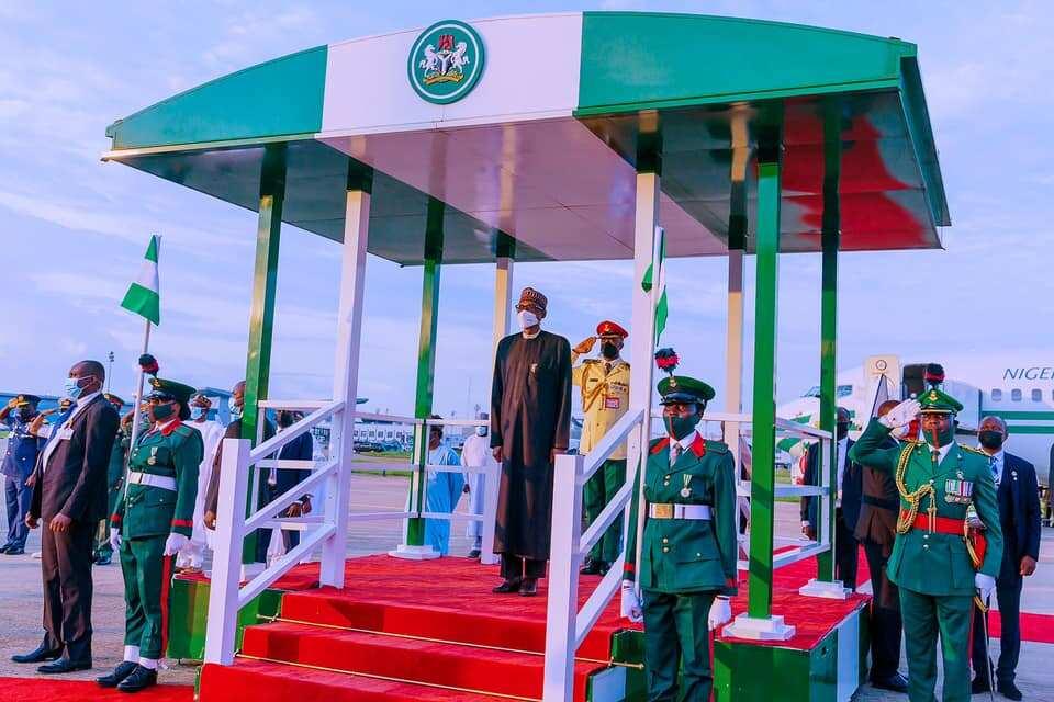Buhari arrives Abuja after the London trip.
