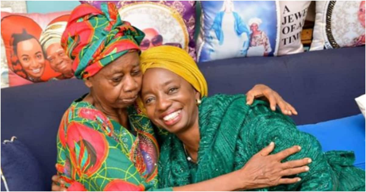 Lagos first lady Ibijoke Sanwo-Olu and billionaire Femi Otedola's mom embrace in cute photo - Legit.ng