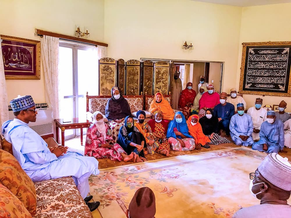 Shugaba Buhari ya kaiwa iyalan Yar'adua gaisuwar ta'aziyya a Kaduna (Hotuna)