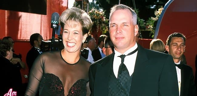 Garth Brooks and Sandy Mahl married