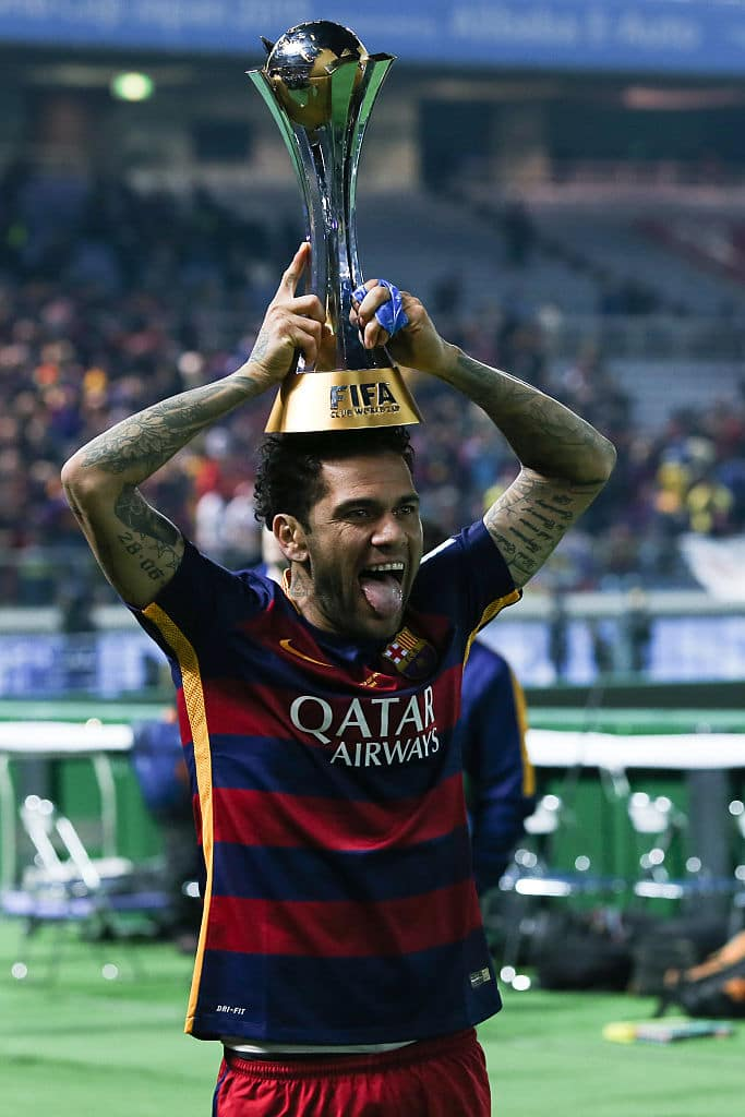 Dani Alves slams Barcelona, says they don't have balls to admit they were wrong