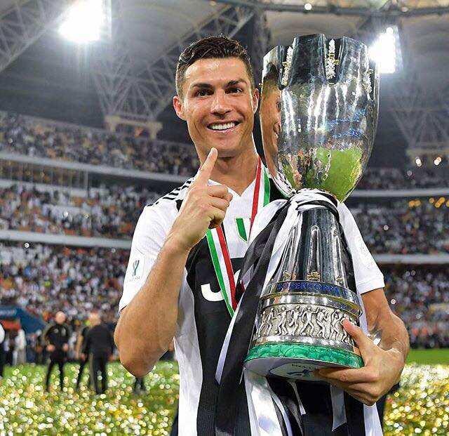 Tauraron Juventus Cristiano Ronaldo ya yi tunanin komawa taka leda a PSG