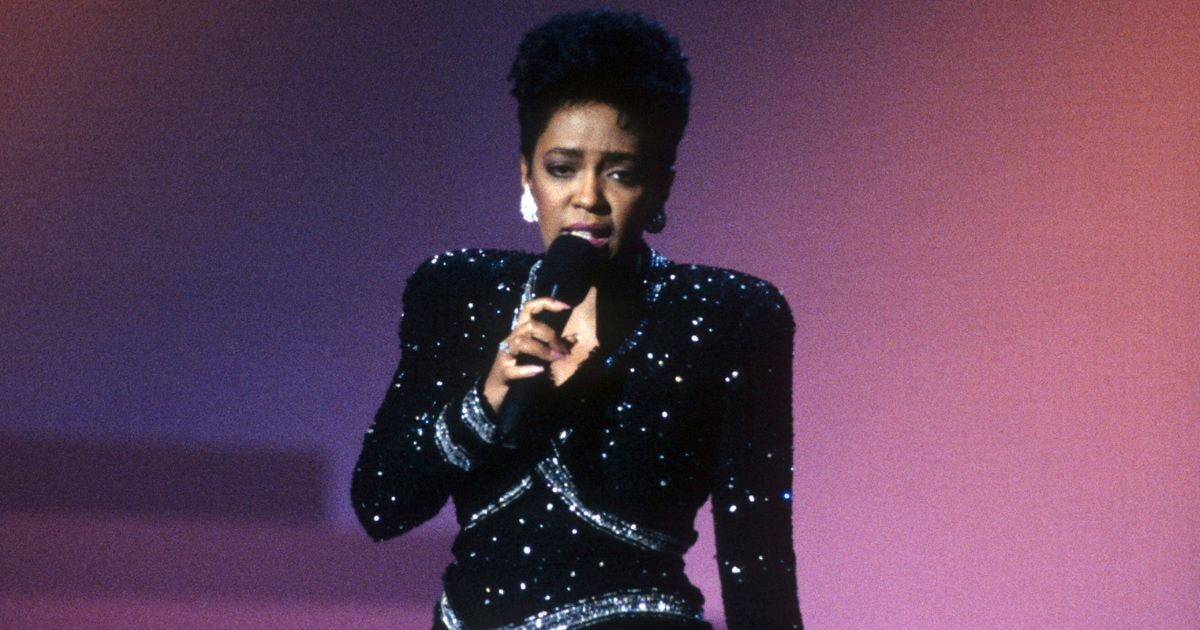 Music legend Anita Baker declares war, ready to fight over her masters ▷  Legit.ng