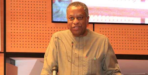 Da duminsa: Wani ministan Buhari ya killace kansa