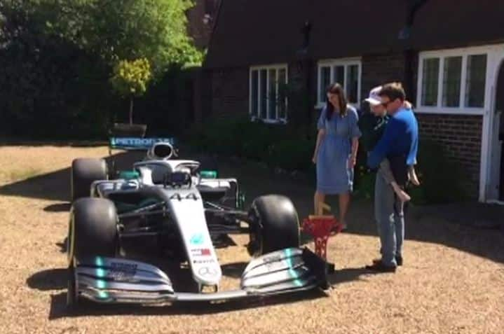 Lewis Hamilton flies F1 car out as gift to a terminally ill 5-year-old boy