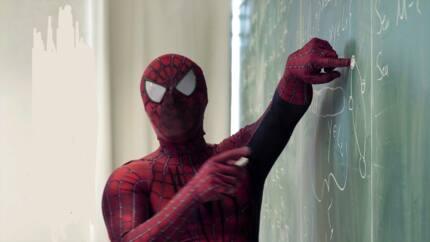 Yajin aikin ASUU: Malamin jami'ar Anambra ya yi shigar 'Superman' don koyar da dalibai
