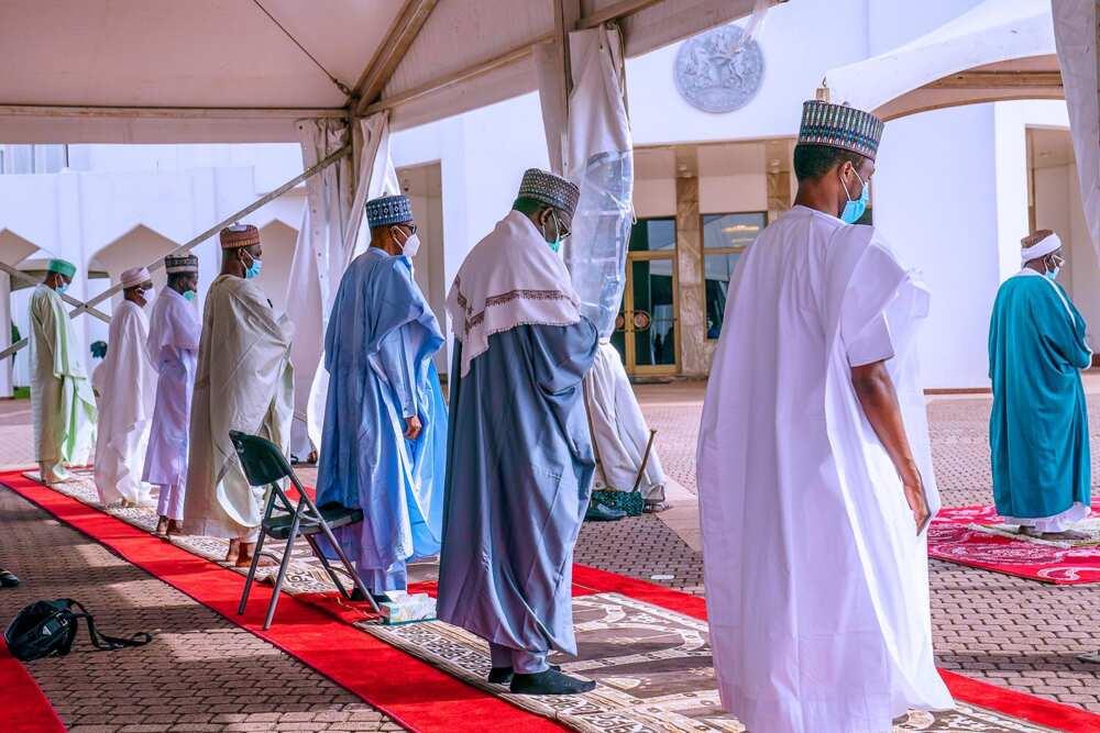 Hotuna da bidiyo: Yadda Buhari da iyalansa suka yi Sallar Idi a Abuja