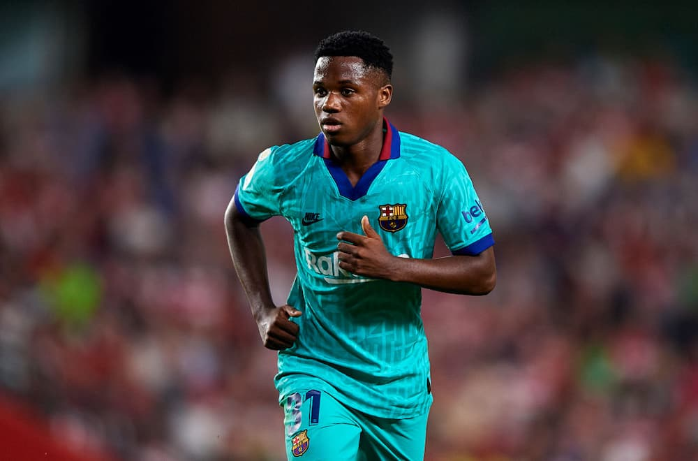 Ansu Fati: Barcelona youngster suffers contusion to tight him in training