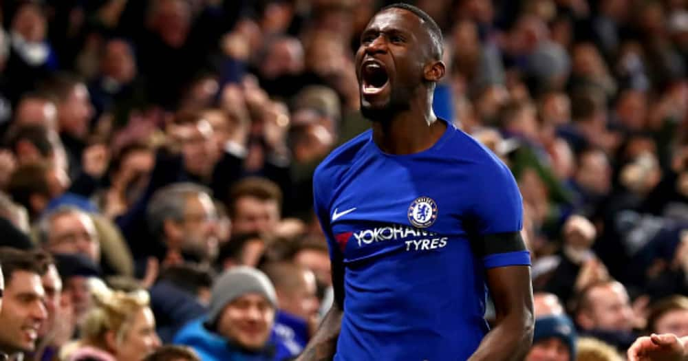 Antonio Rudiger of Chelsea celebrates after scoring his sides second goal during the Premier League match between Chelsea and Swansea City at Stamford Bridge on November 29, 2017 in London, England (Photo by Clive Rose/Getty Images)