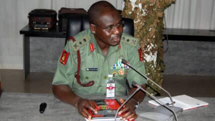 Kungiyoyi 3 sun nemi Buratai ya yi bayani kan yadda ya kashe kudaden yaki da Boko Haram